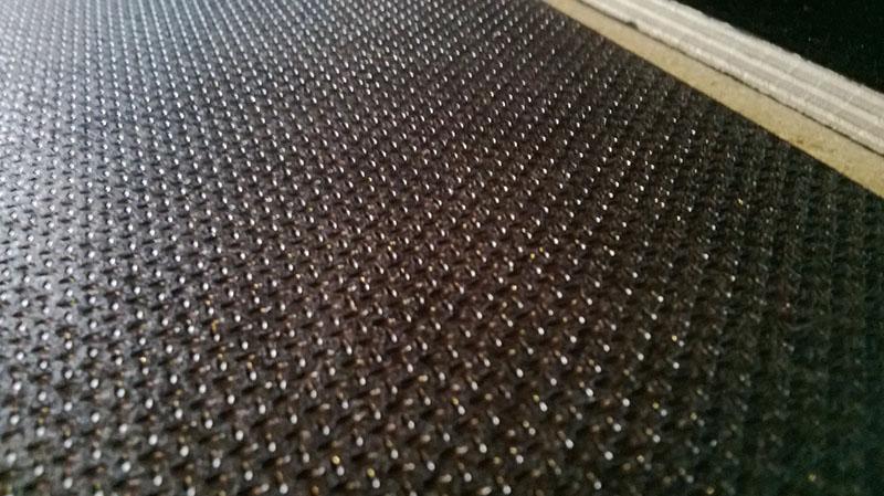 фанера с  ламинированной сеткой