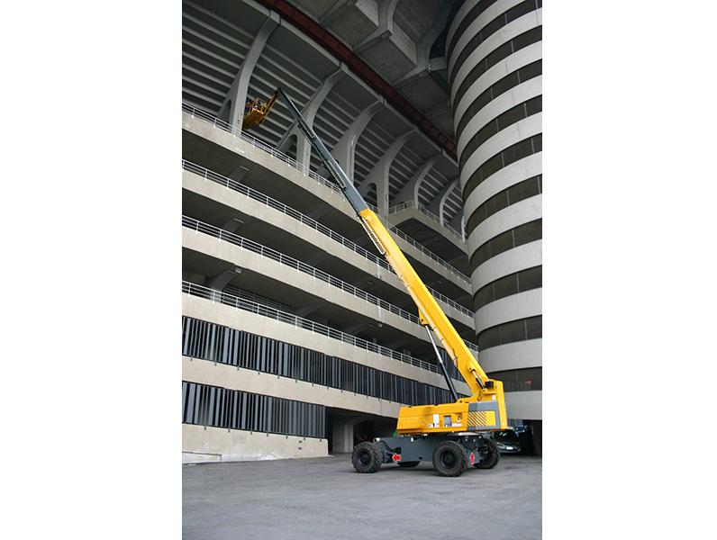 Применение подъемника телескопического в строительстве